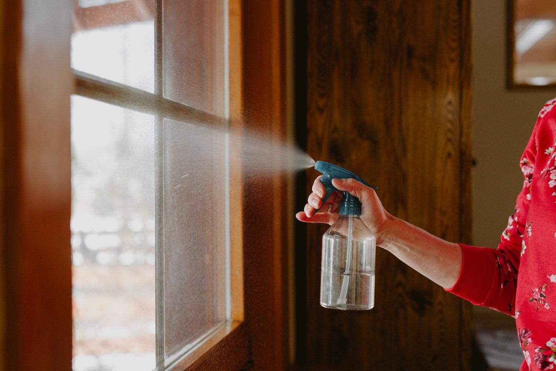 Szybkie sposoby na mycie okien.