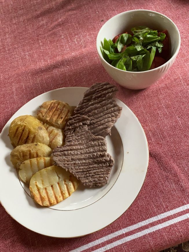 stek wołowy z ziemniakami