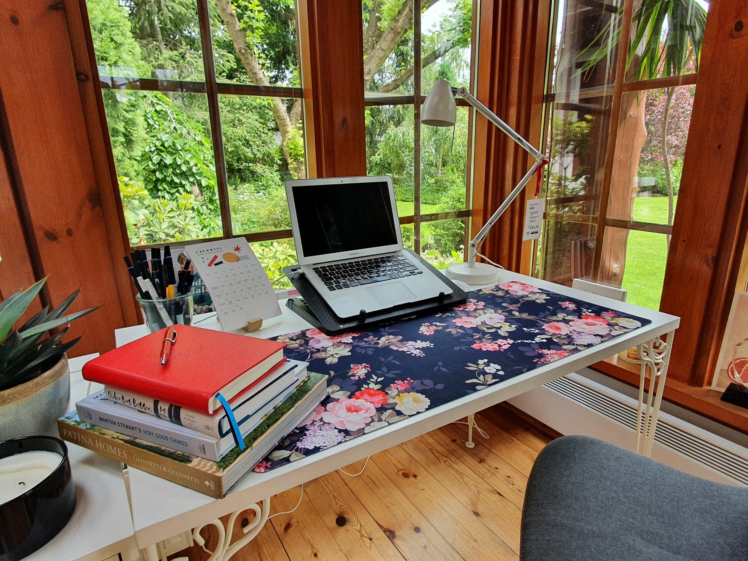 czyste biurko